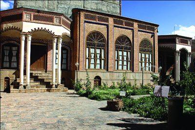 حیاط خانه سلماسی