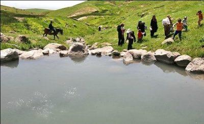 چشمه آب گرم طبیعی وننق استان زنجان