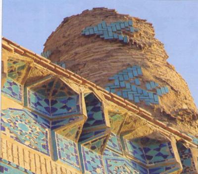 تزئینات با کاشی در گنبد سلطانیه