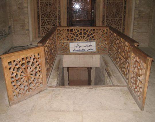 ورودی سردابه گنبد سلطانیه