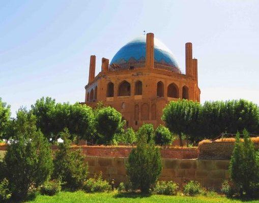 نمایی دیگر از گنبد سلطانیه بزرگترین گنبد آجری جهان