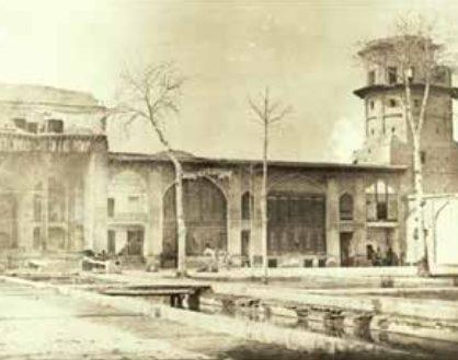 دیوانخانه جدید یا ایوان نادری و برج کبوتر. مأخذ آلبومخانه کاخ گلستان؛ خوانساری، 77 :1383اثر اورژن فلاندن