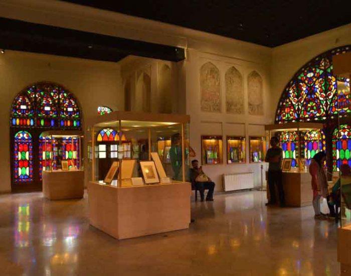 موزه خوشنویسی داخل کاخ چهلستون قزوین