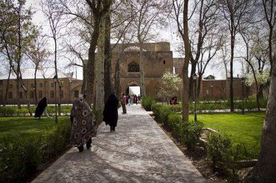 باغ صفوی قزوین (باغ سعادت آباد)