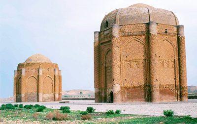 برج های خرقان از آثار تاریخی روستای حصار قزوین