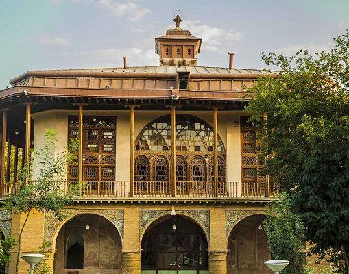 کاخ چهلستون قزوین (عمارت کلاه فرنگی)