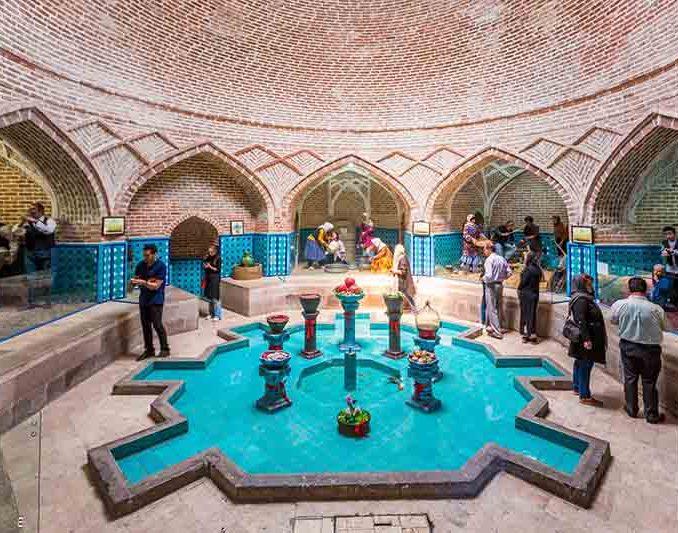 موزه قجر در شهر قزوین قرار دارد