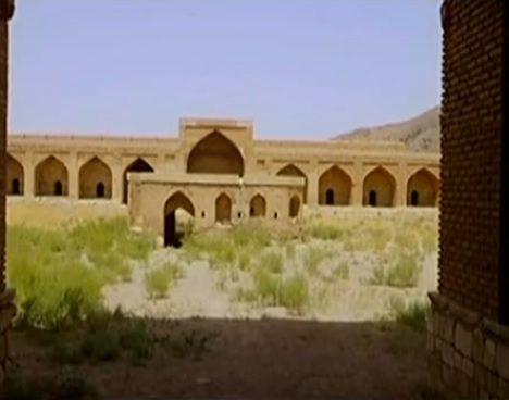 کاروانسرای هجیب از بناهای تاریخی قزوین