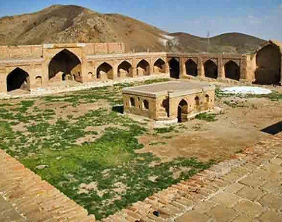 کاروانسرای هجیب از جاذبه های تاریخی قزوین